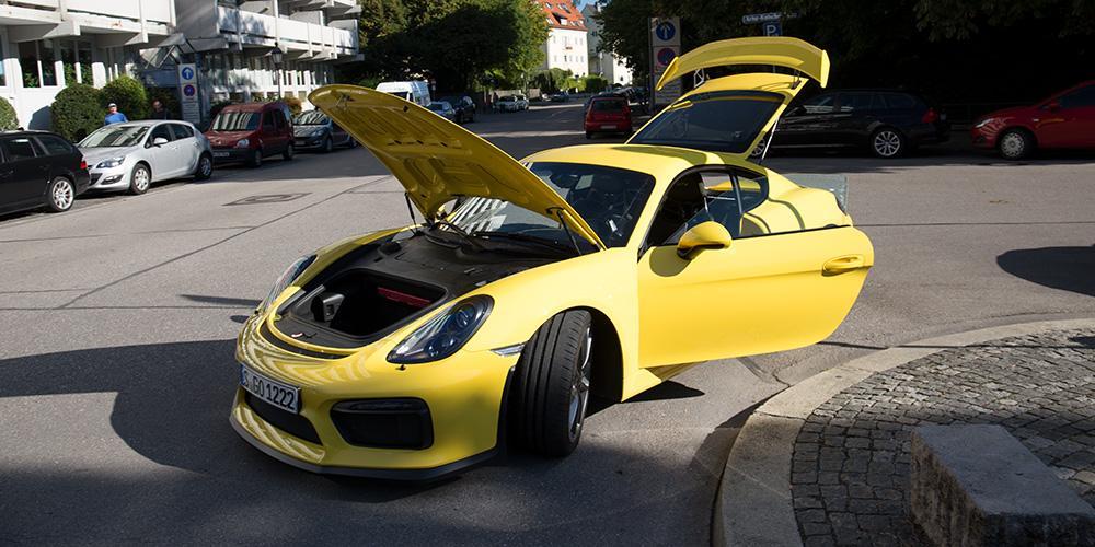 Der Kofferraum des Porsche Cayman GT4.