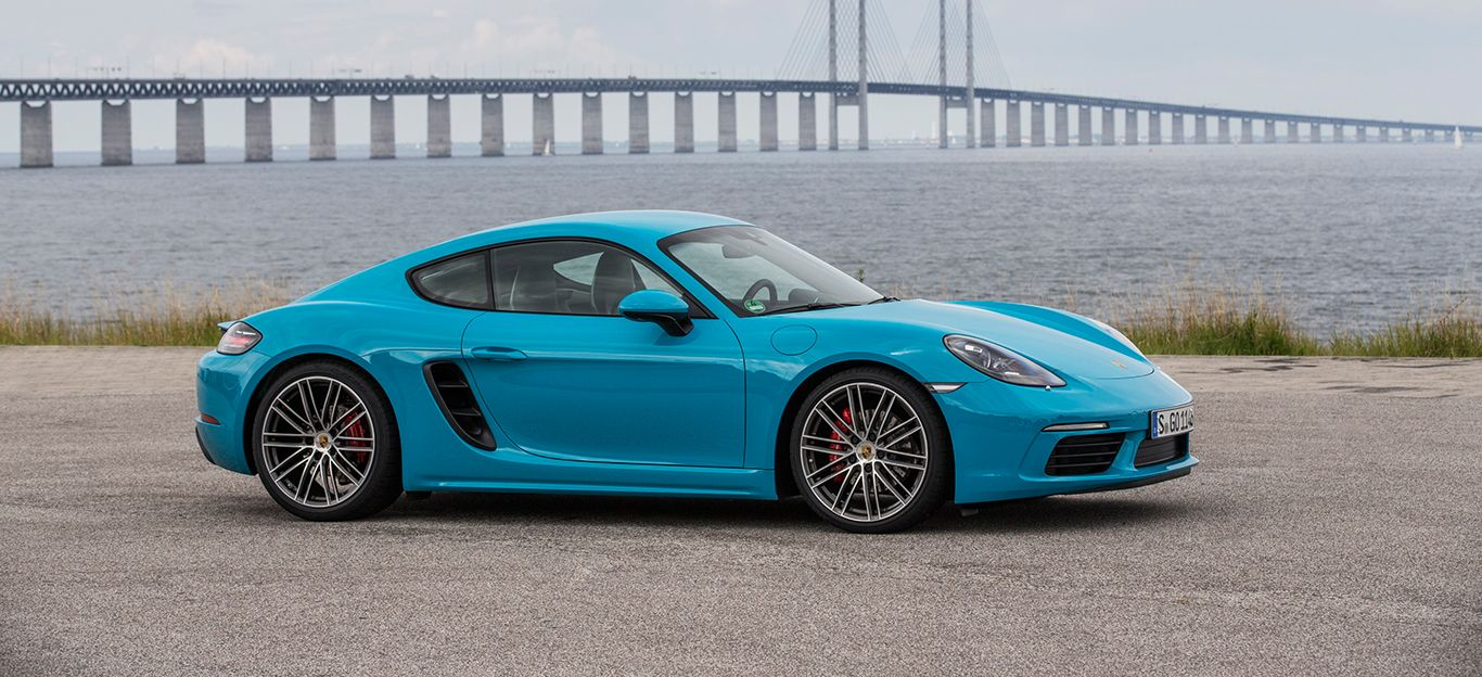 Porsche 718 Cayman in Miami Blau