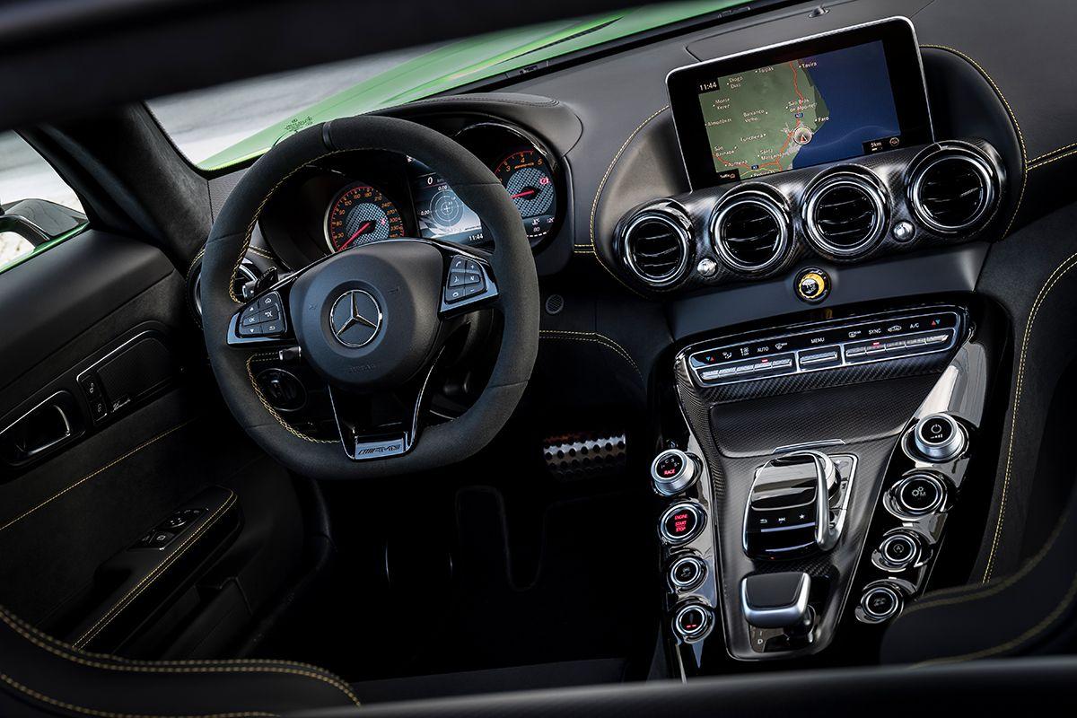 Mercedes AMG GT R Cockpit