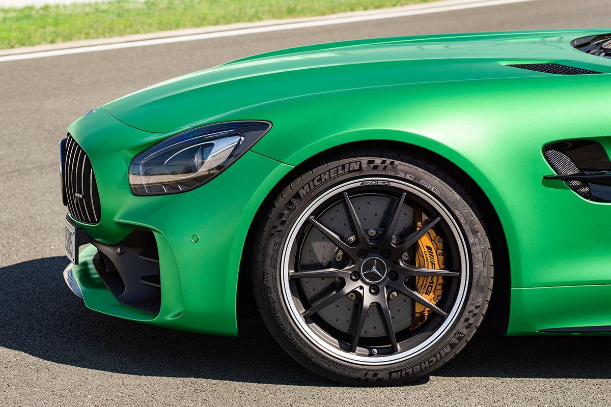 Mercedes AMG GT R Front seitlich
