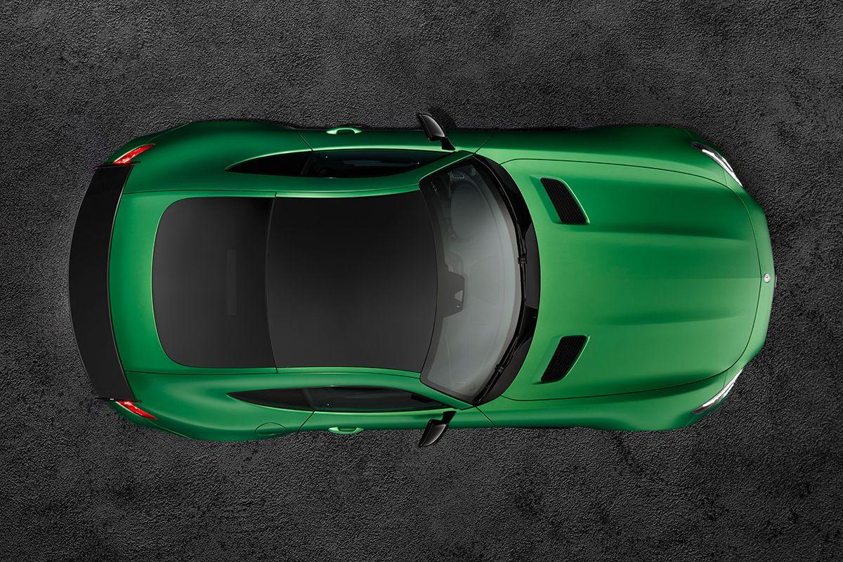 Mercedes AMG GT R Draufsicht Carbondach