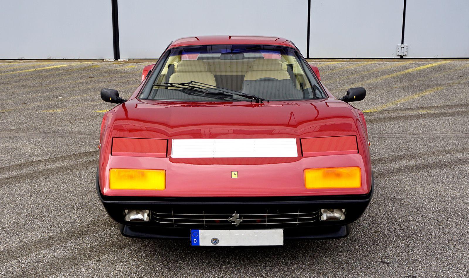 Ferrari 512 BBi Frontalansicht