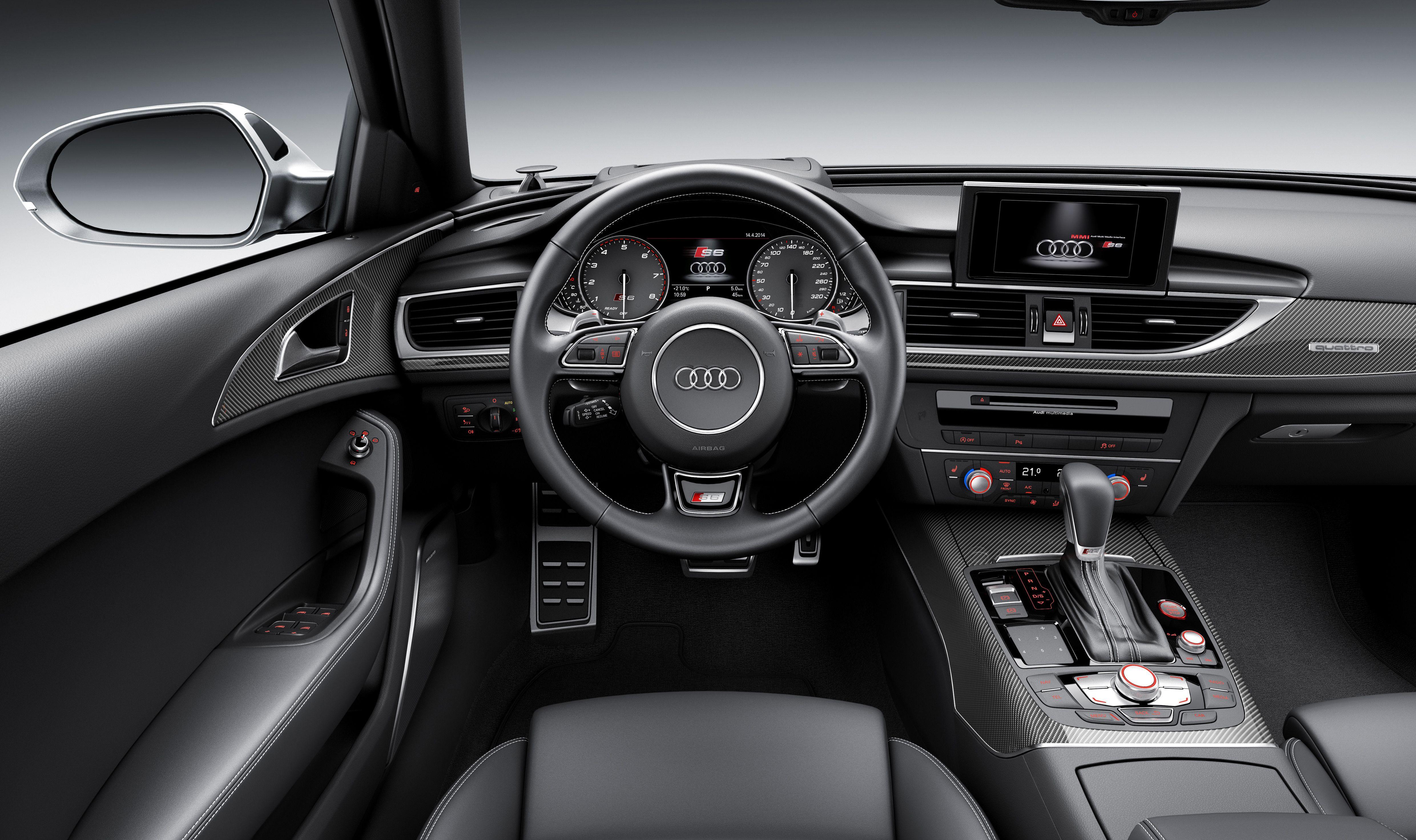 Audi S6 Avant Innenraum Lenkrad