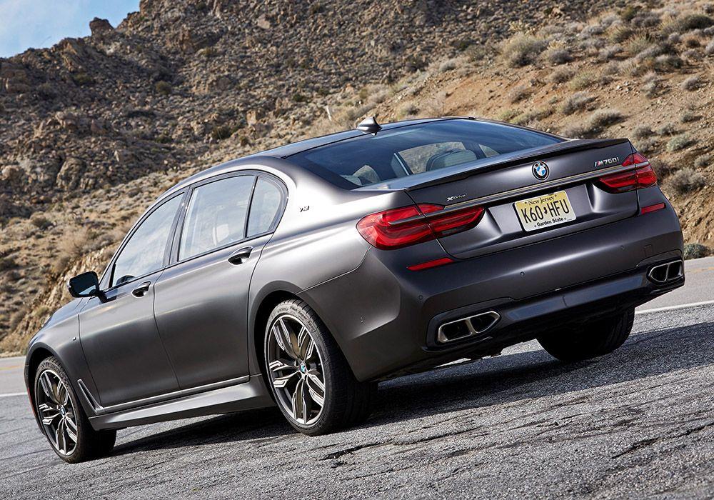BMW M760Li xDrive Heckansicht