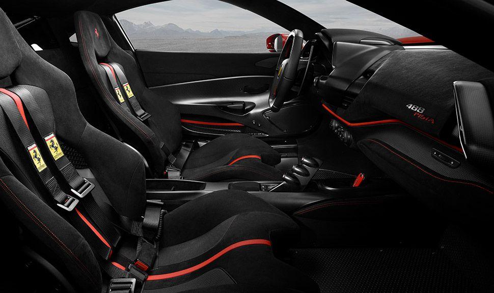 Ferrari 488 pista Cockpit