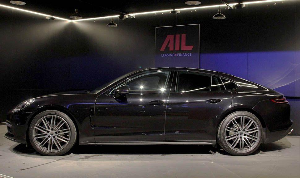Porsche Panamera 4S Diesel seitlich in AIL-Garage
