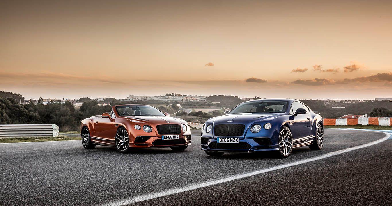 Bentley Continental Supersports Convertible und Coupé auf Rennstrecke in Dämmerung stehend