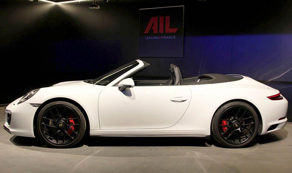 Porsche 911 Carrera 4 GTS Cabrio Weiß Seitenansicht links