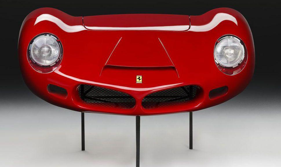Die Vorderseite der Front-Nachbildung des Ferrari 268 SP von 1962