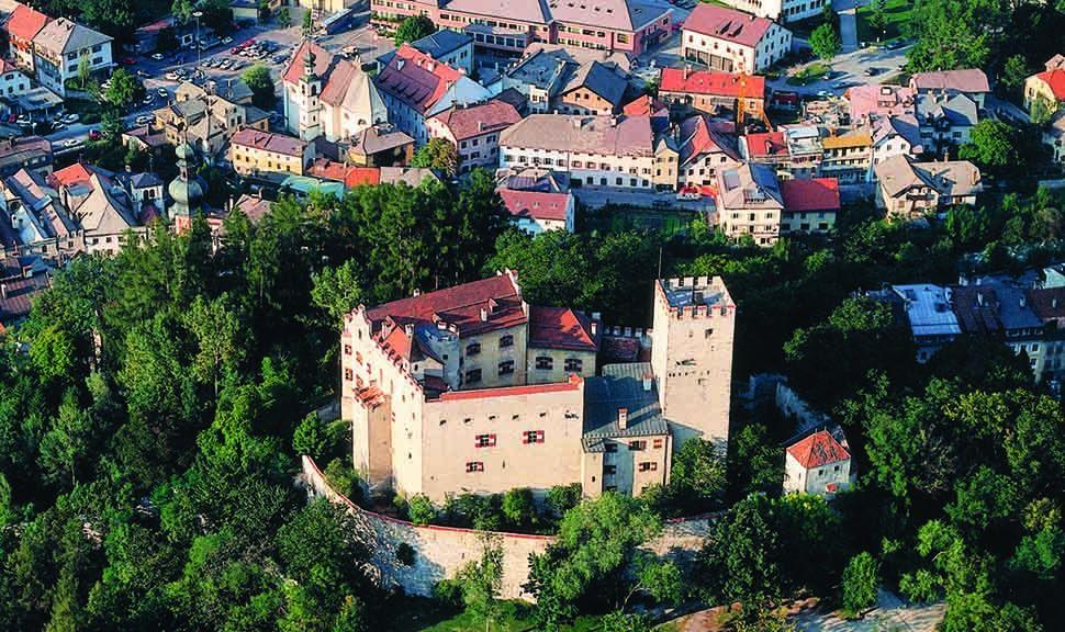 Schloss Bruneck Luftaufnahme