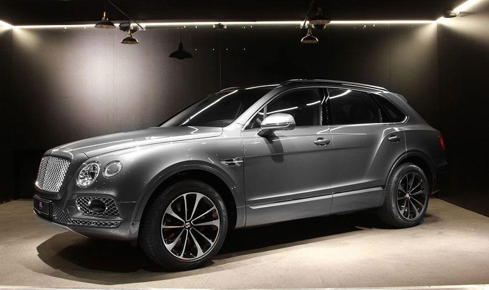 Bentley Bentayga in der Seitenansicht
