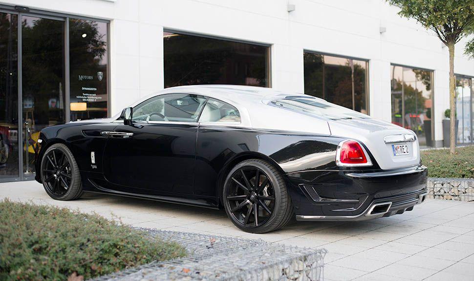 Rolls Royce ARES Desgin Schwarz-Silber schräg links hinten stehend