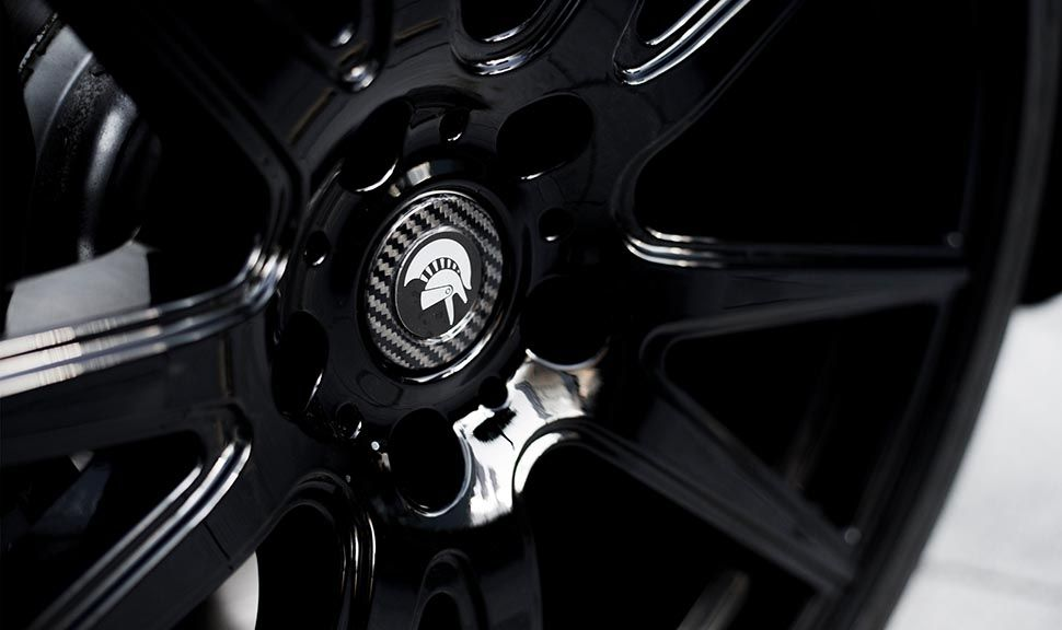 Detailaufnahme der Felge des Rolls Royce Wraith ARES Design