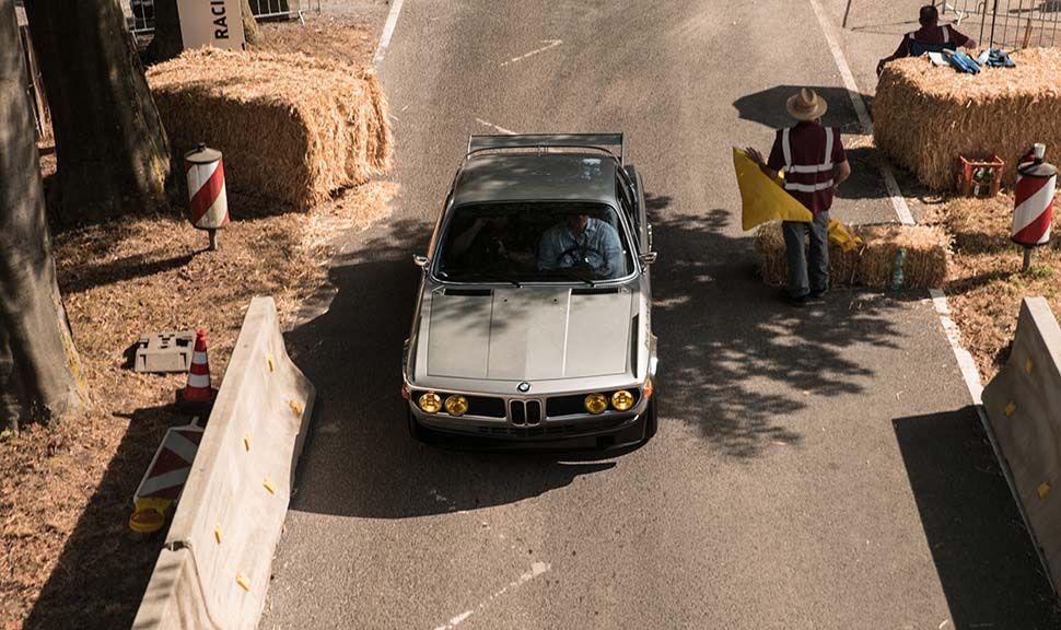 BMW ALPINA 3.0 CSL von oben vorne auf Classic Days Strecke