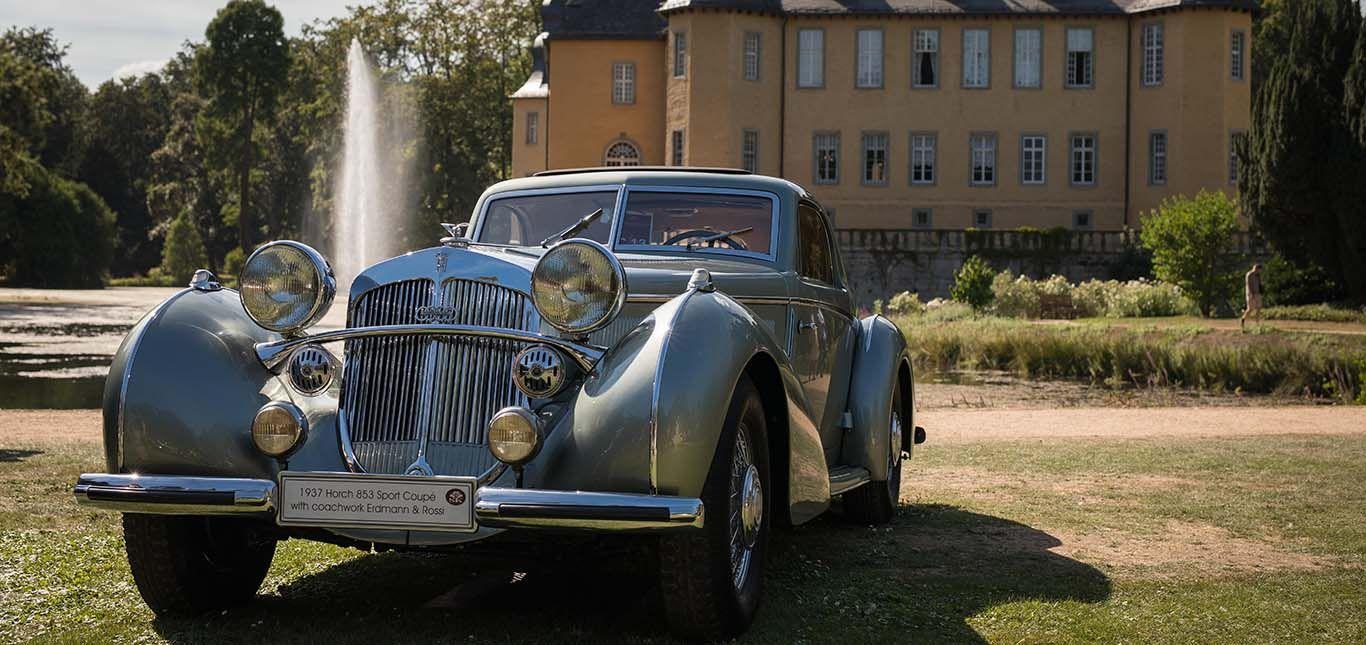 Oldtimer Auto Union vor Schloss Dyck