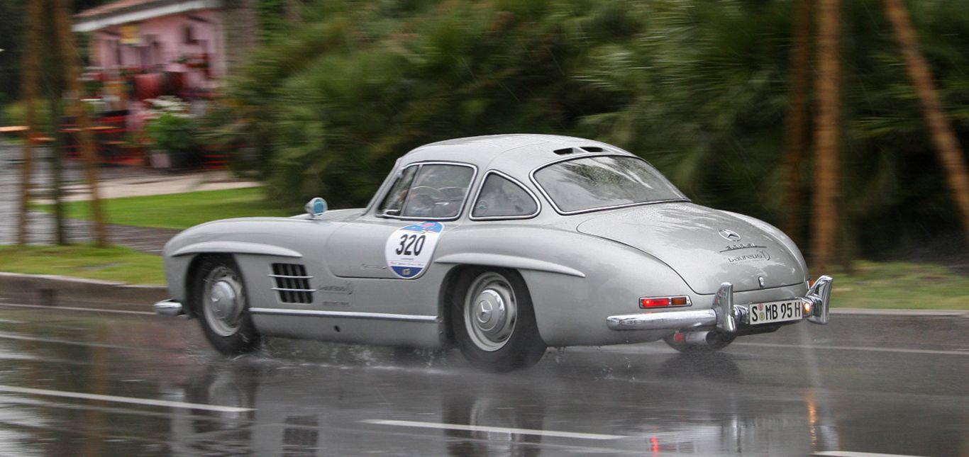 Seitenansicht eines Mercedes 300 SL