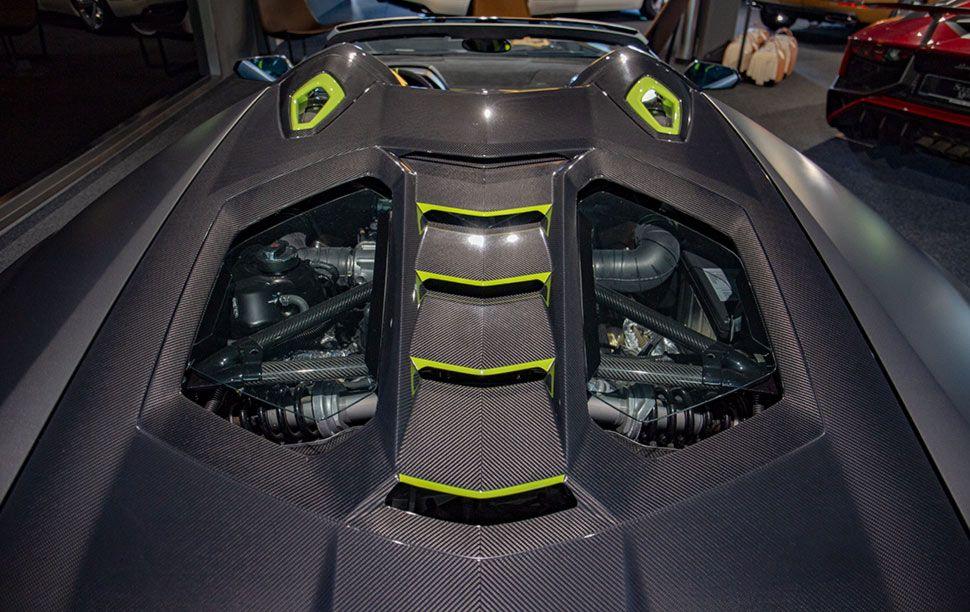 Motorabdeckung des Lamborghini Centenario