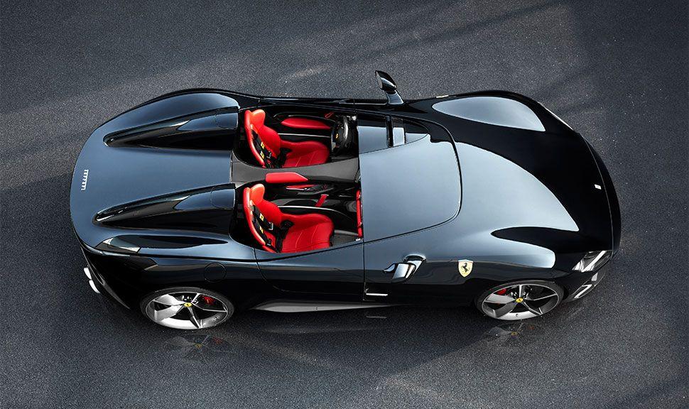 Der Ferrari SP2 von oben