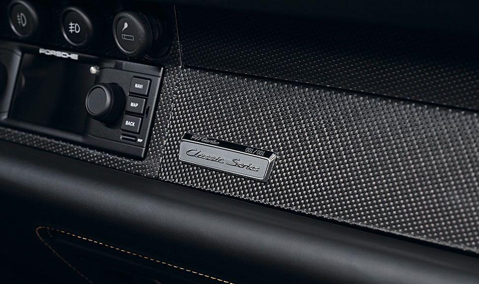 Porsche 993 turbo Gold Plakette auf Armaturentafel