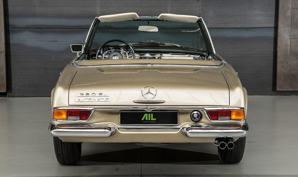 Mercedes 280 SL Pagode Heckansicht