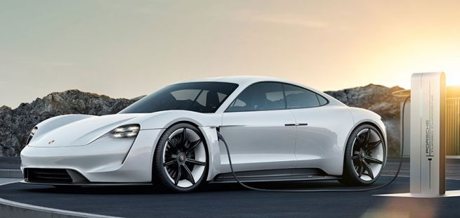 Seitenansicht des Porsche Taycan