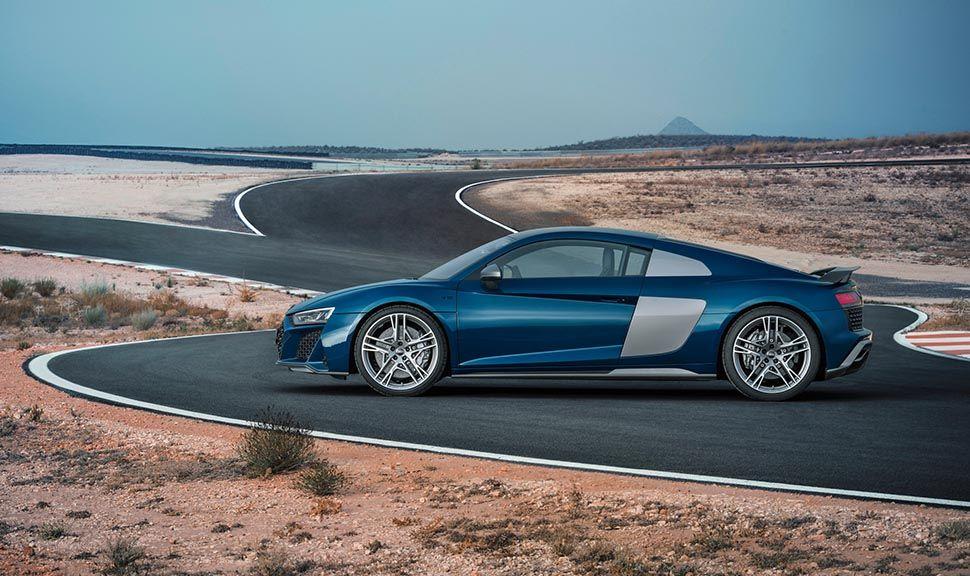 Audi R8 Blau stehend, Seitenansicht links