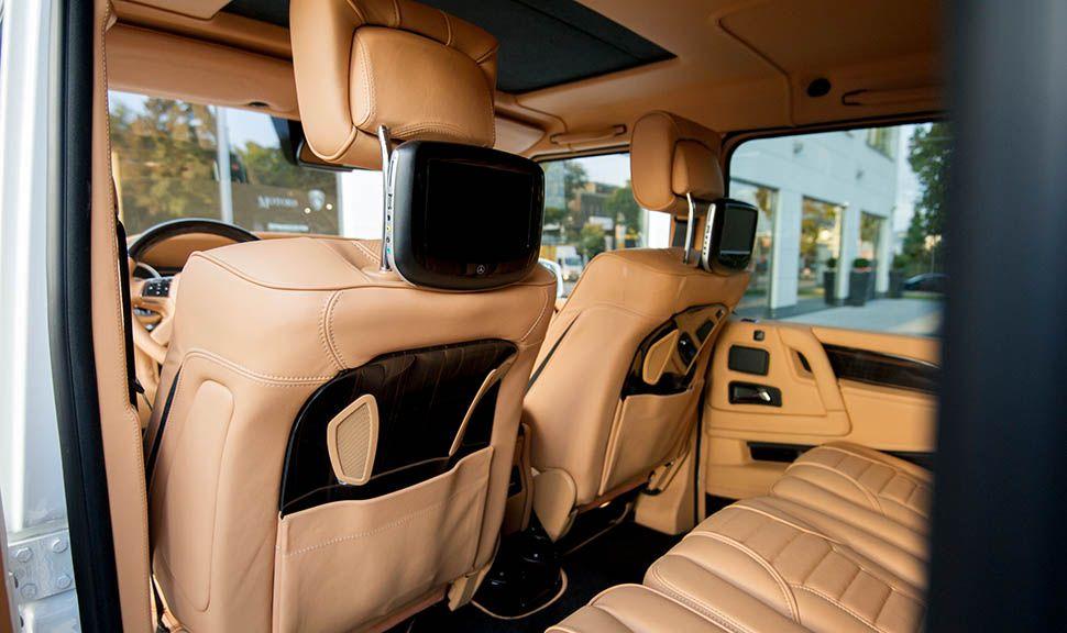 Innenraum Mercedes AMG G63 by ARES Design, Blick durch linke hintere Tür