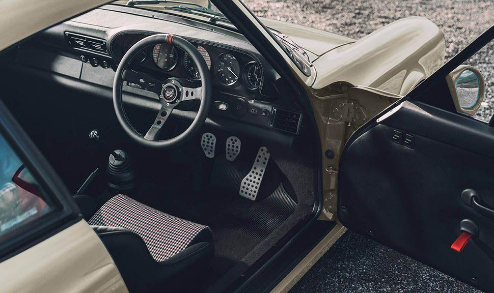 Blick in einen von Paul Stephens modifizierten Porsche 911