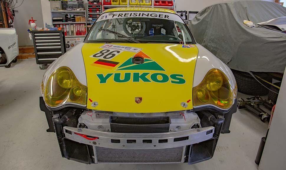 Porsche 996 GT3 RSR Frontal mit Yukos-Werbung