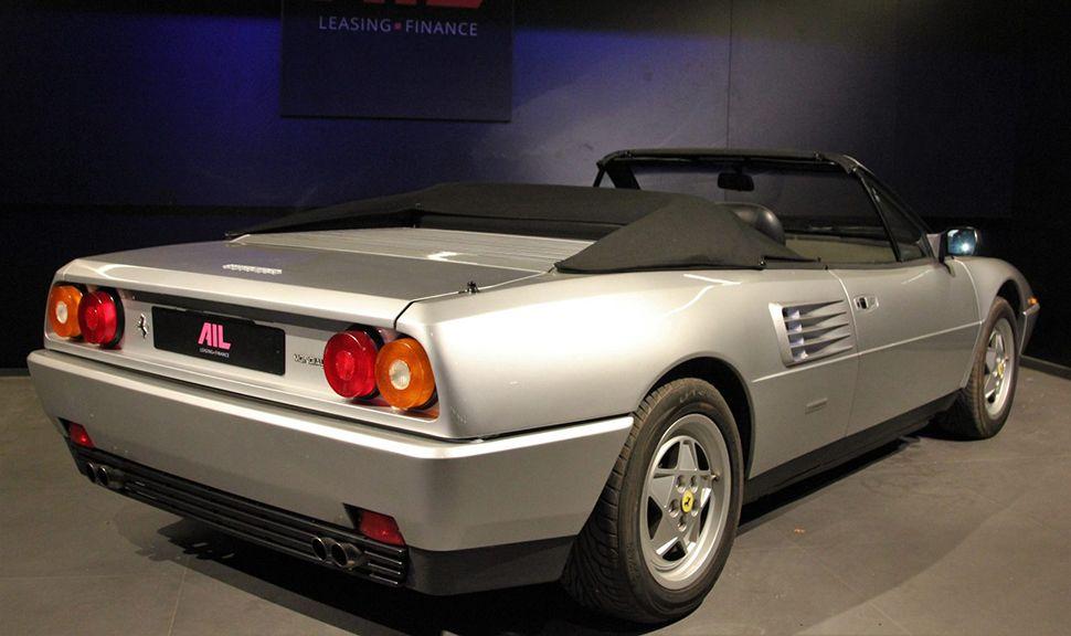 Rückansicht des Ferrari Mondial T Cabriolet 3,4 V8