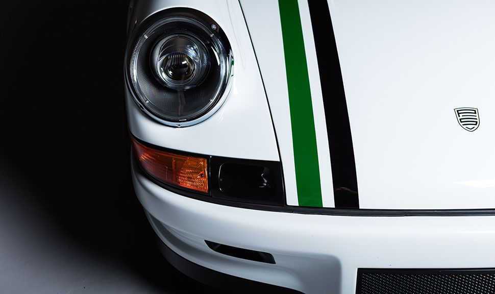Paul Stephens Porsche Le Mans Classic Clubsport Detailaufnahme von rechtem Scheinwerfer