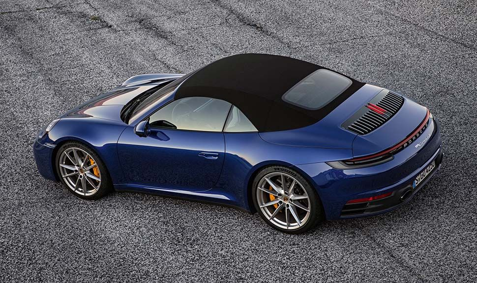 Dunkelblaues Porsche 911 Cabrio