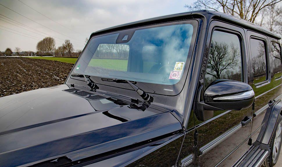Detailaufnahme Frontscheibe Mercedes G500