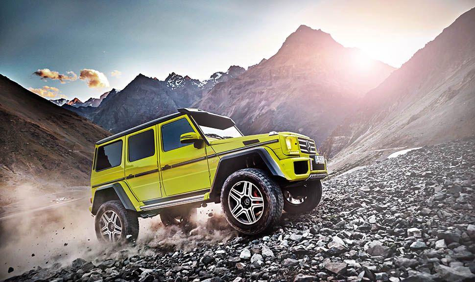 Kanariengelber Mercedes G-Klasse Sondermodell im bergigen Gelände