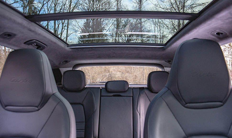 Innenraum des Porsche Cayenne Turbo, Panoramaglasdach