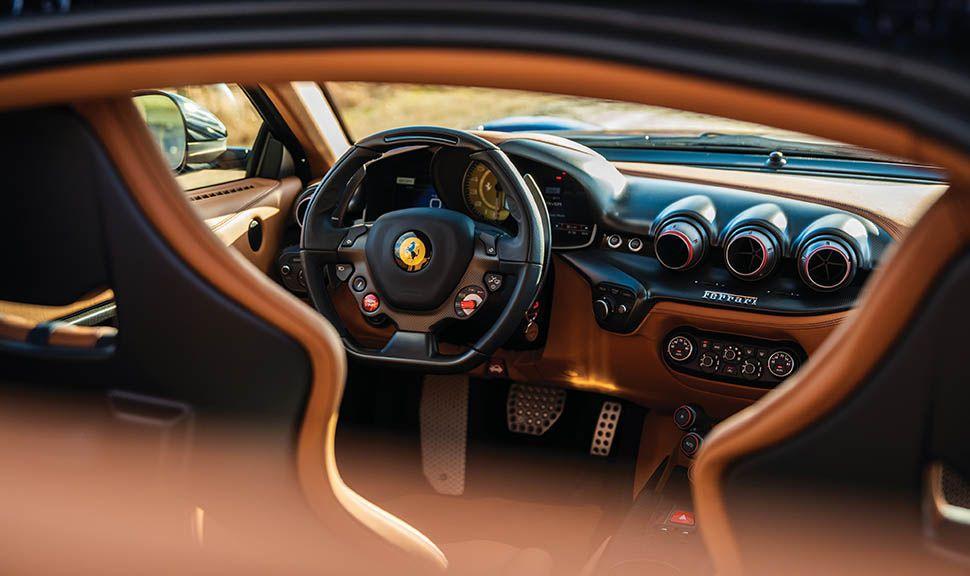 Ferrari F12 tdf Innenraum