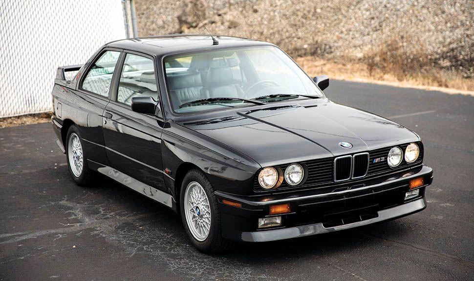 BMW M3 (E30) schräg rechts vorne