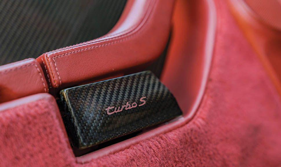 Porsche 911 (993) Turbo S Innenraum Detail aus Carbon
