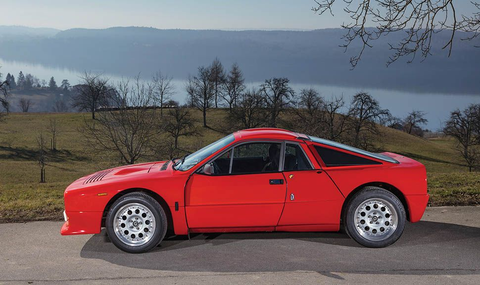 Roter Lancia 037 Rally Stradale linke Seite