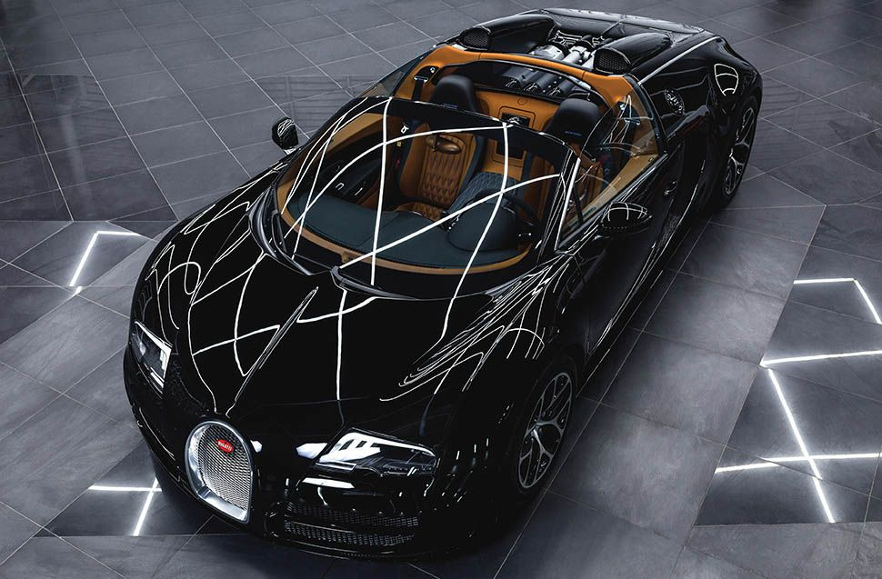 Schwarzer Bugatti Veyron Vitesse von schräg links vorn oben