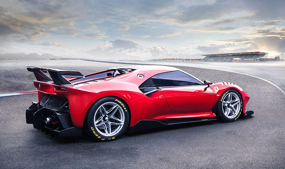 Ferrari P80/C schräg rechts leicht nach hinten versetzt