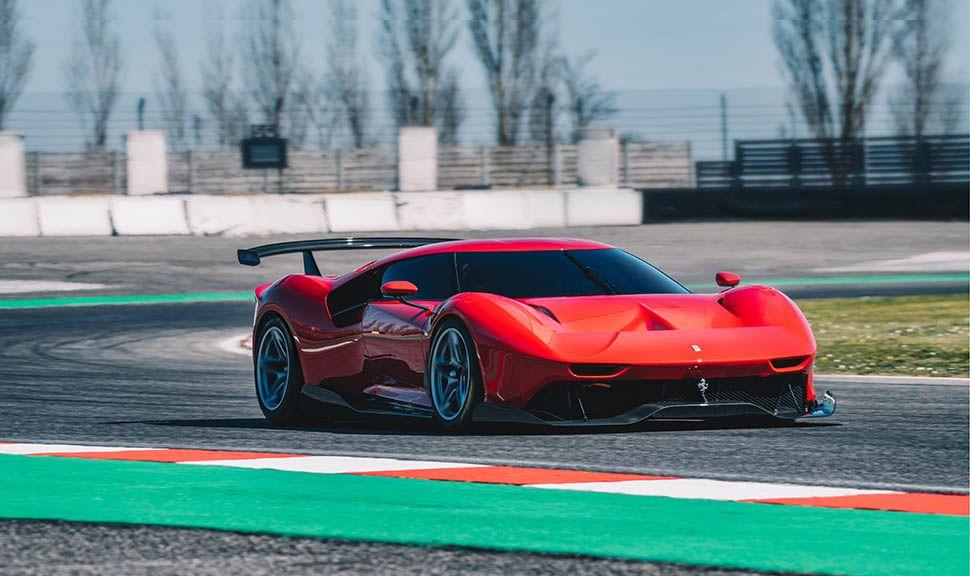 Ferrari P80/C schräg rechts vorne, fahrend