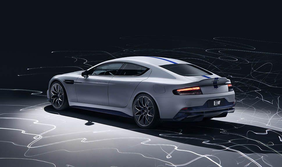 Aston Martin Rapide E schräg links hinten