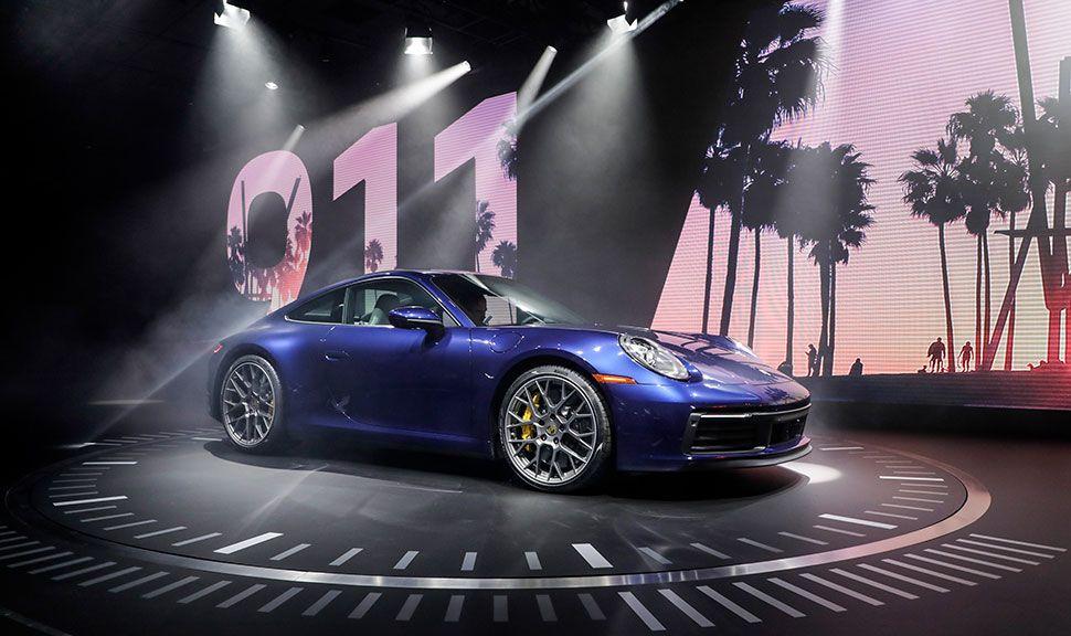 Porsche 911 (992) im Rampenlicht bei seiner Premiere