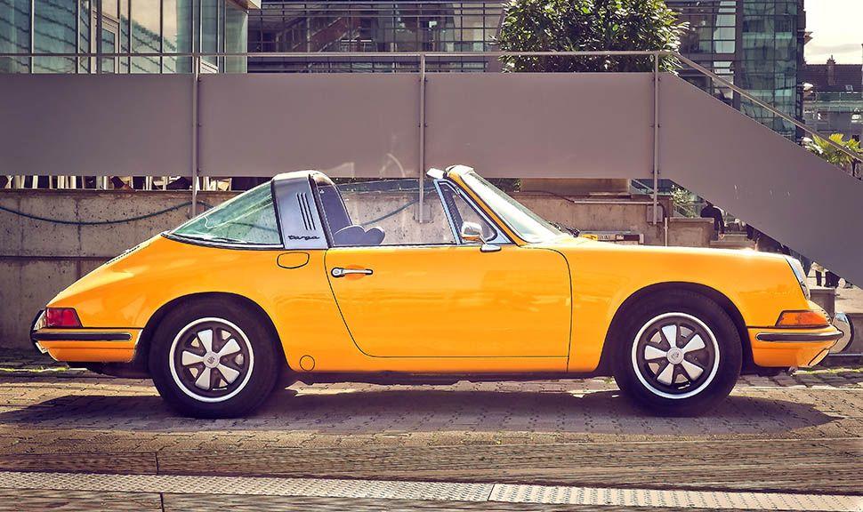 Gelber Porsche 911 Targa, Seitenansicht rechts