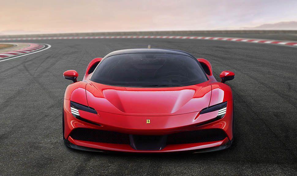 Roter Ferrari SF90 Stradale frontal