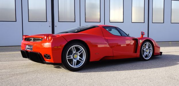 Carbild BeschreibungFerrari Enzo Ferrari8106
