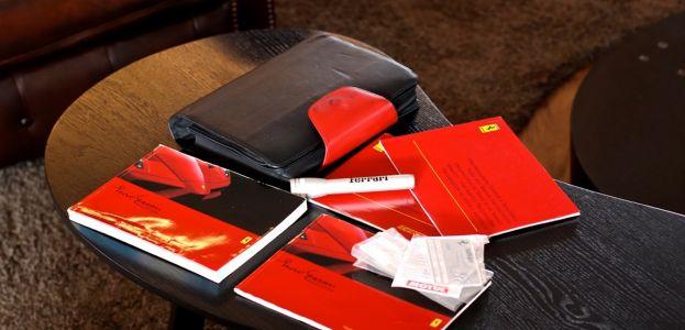 Carbild BeschreibungFerrari Enzo Ferrari8118