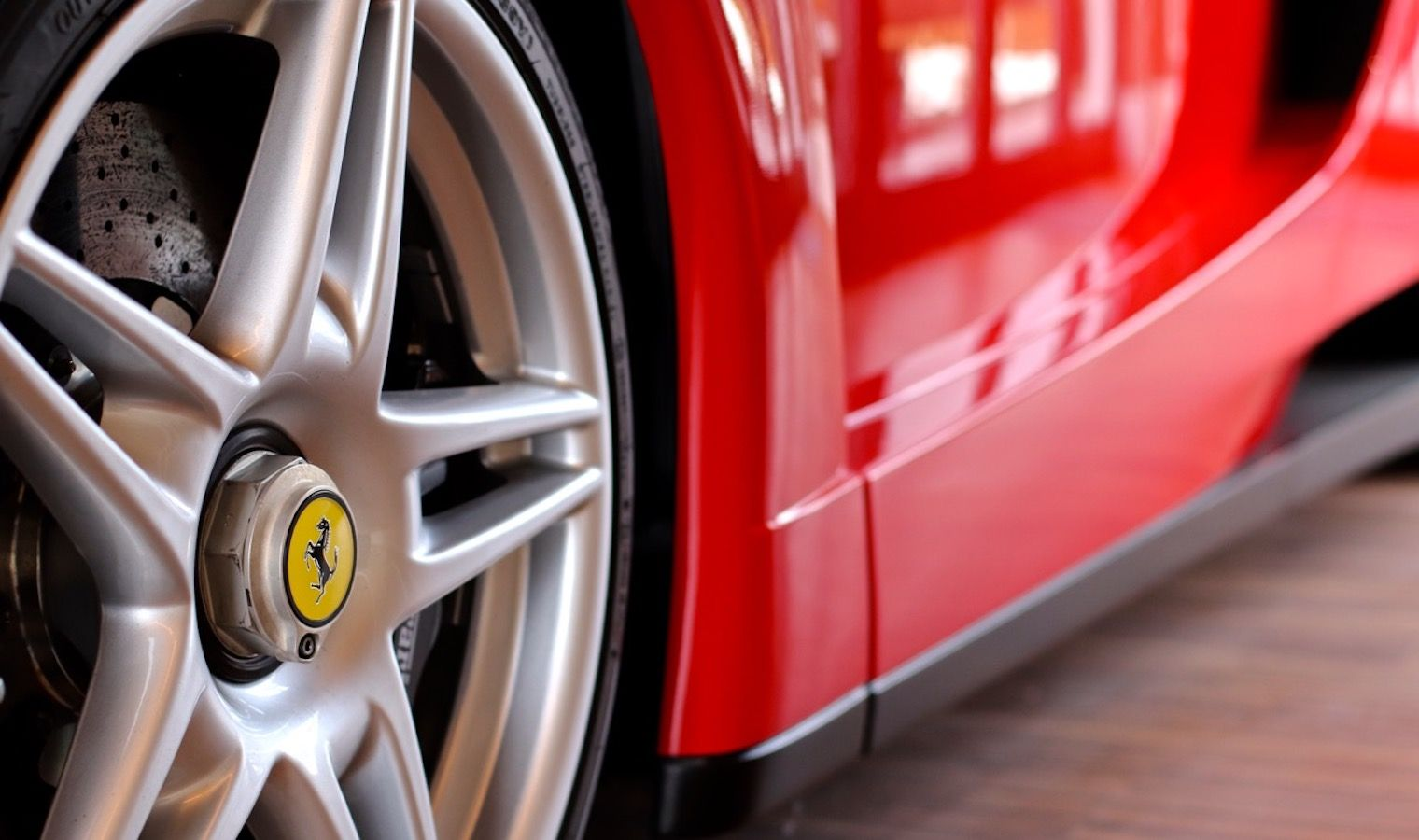 Carbild BeschreibungFerrari Enzo Ferrari8122