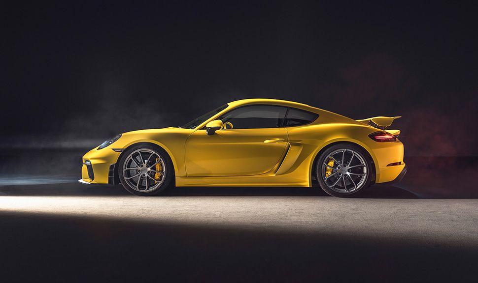 Seitenansicht des Porsche 718 Cayman GT4